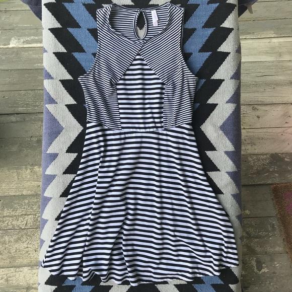 Xhilaration Dresses & Skirts - Xhilaration - black and white stripped dress